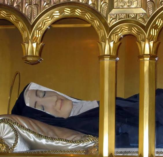 Corpo incorrupto de Santa Luísa de Marillac